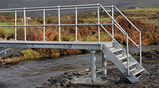 Large Open-Sided Handrail Bridge